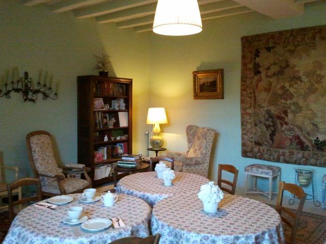 http://www.le-clos-de-ligre.com/images/salon_piano3.jpg
